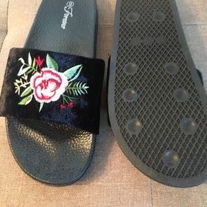 forever Shoes - Slides